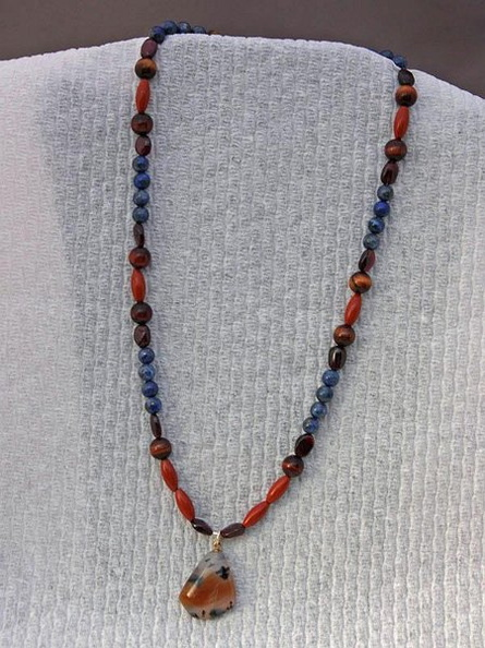 necklace_0500.jpg
